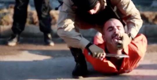 estado-islamico-3-curdos-decaptados-21-03-2015-facao