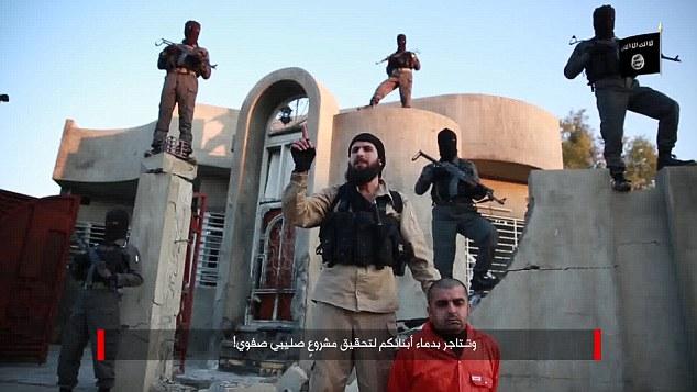 isis-3-curdos-decaptados-21-03-2015-soldados